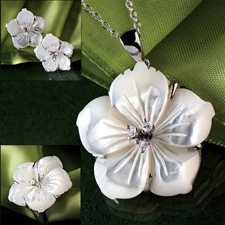 Mother of Pearl Hibiscus Necklace, Ring & Earrings Complete Set