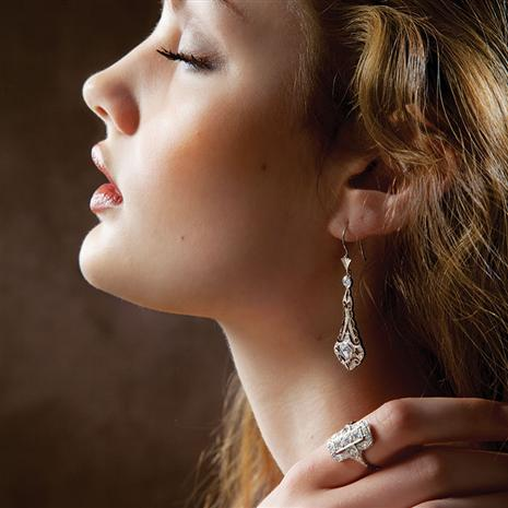 DiamondAura® Outré Earrings & Ring Set