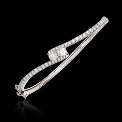 DiamondAura Forever Infinity Bangle