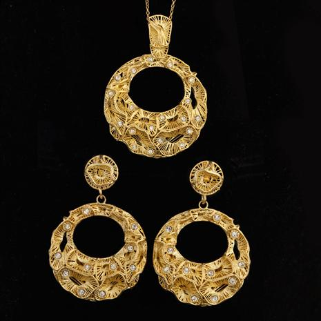 Raffinato Arruffarsi Necklace and Earrings