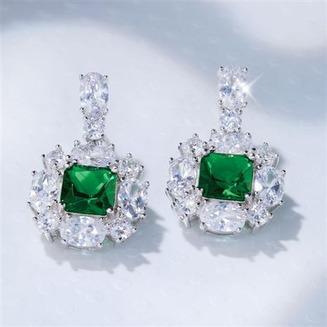 Red Carpet Green DiamondAura Earrings