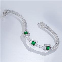 Red Carpet Green DiamondAura Bracelet