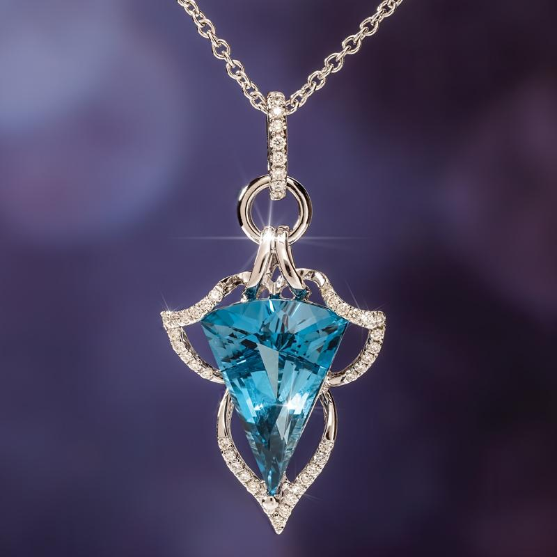14K White Gold London Blue Topaz Necklace (5.31 ctw)