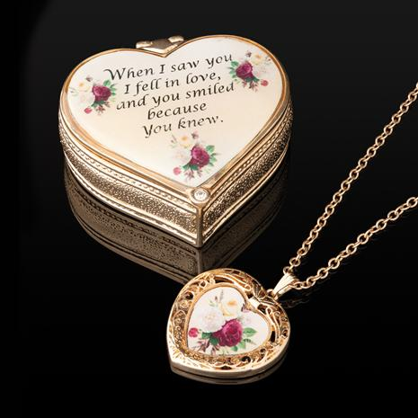 """""""When I Saw You' Necklace & Box"""