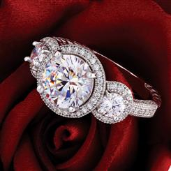 DiamondAura Halo Ring