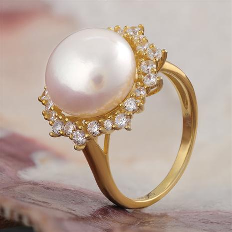 Moonglow Pearl Ring
